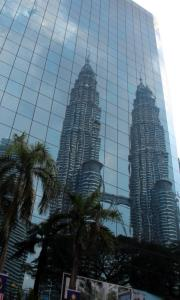 /image.axd?picture=/2014/8/mini/P. Petronas twin towers.JPG